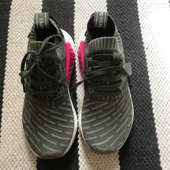 Le Adidas Donna Nmd R2 Primeknit Scarpa Da Tennis Poshmark